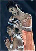рождение королевы (на конкурсе Мисс Мира)