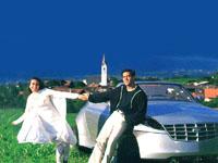 Каришма и Салман в песне Chori Chori - щелкните на фото, чтобы получить большую фотографию